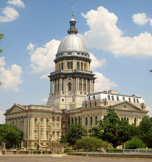 Photo of the Illinois State Capitol building